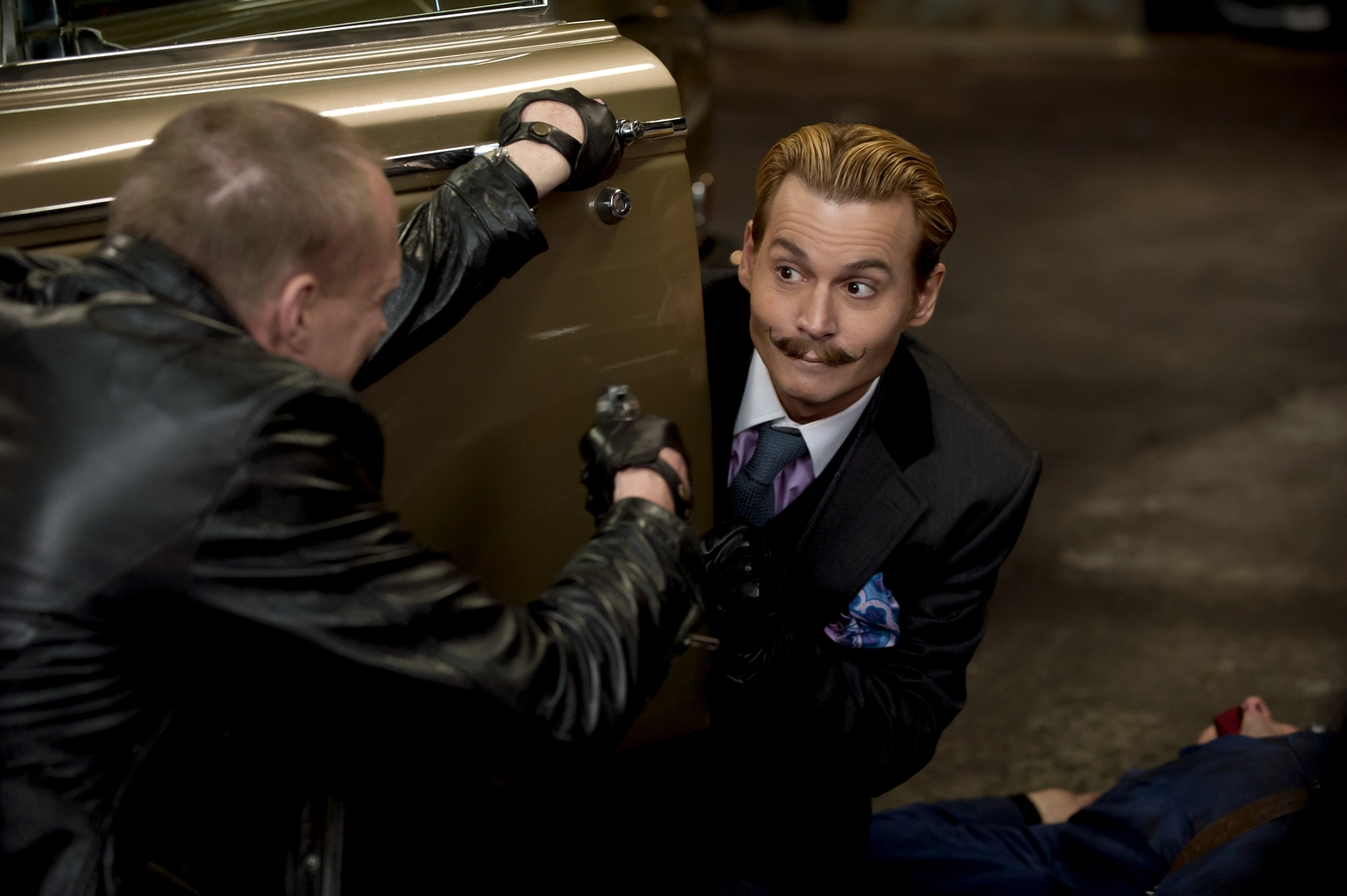 mortdecai-DVD-01