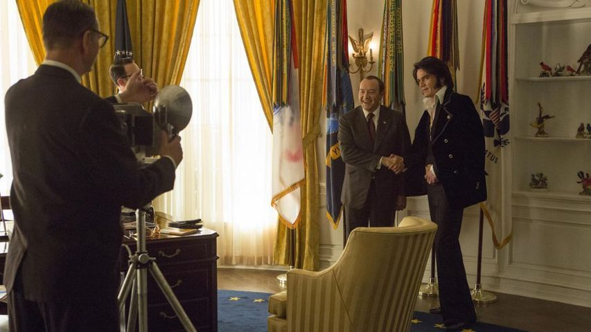 elvis-and-nixon-film-recensione-testa