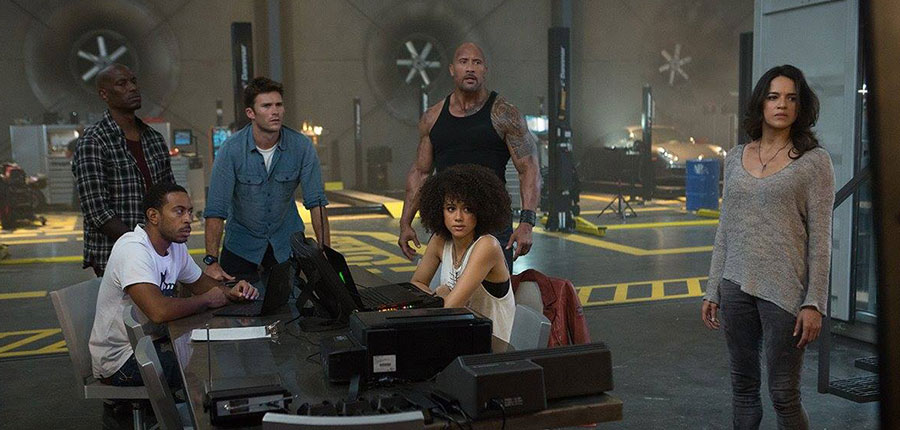 Fast-and-Furious-8-recensione-film-centro