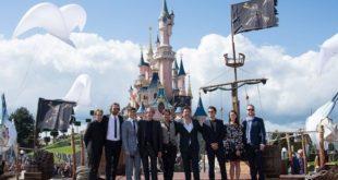 Pirati-dei-Caraibi-La-Vendetta-di-Salazar-Disneyland-Paris-cast-group