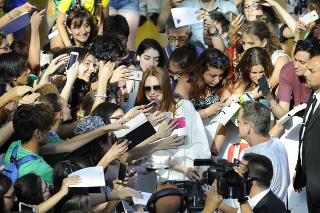 Giffoni-Film-Festival-2017-Julianne-Moore-blue-carpet