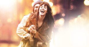 un-amore-le-righe-recensione-film-copertina