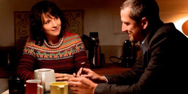 Il Gioco Delle Coppie, recensione della commedia di Olivier Assayas