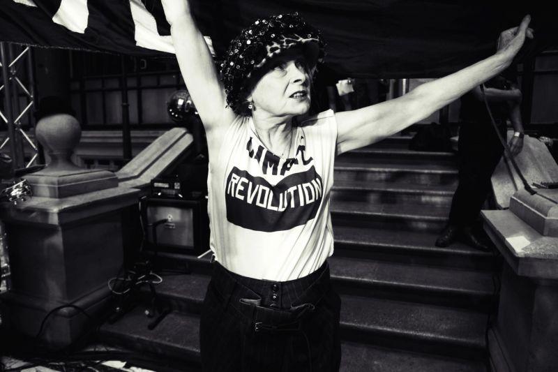 westwood-icona-punk-attivista-recensione-film-02