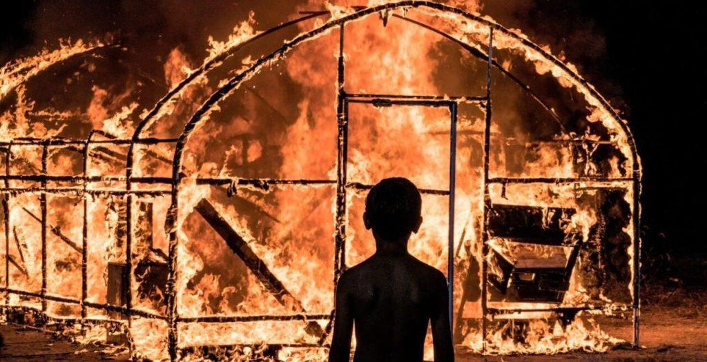 burning-amore-brucia-recensione-film-copertina