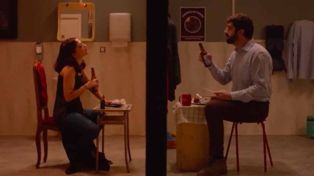 nel-bagno-delle-donne-recensione-film-01